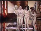 Danse amusante de la nudité à la télévision française